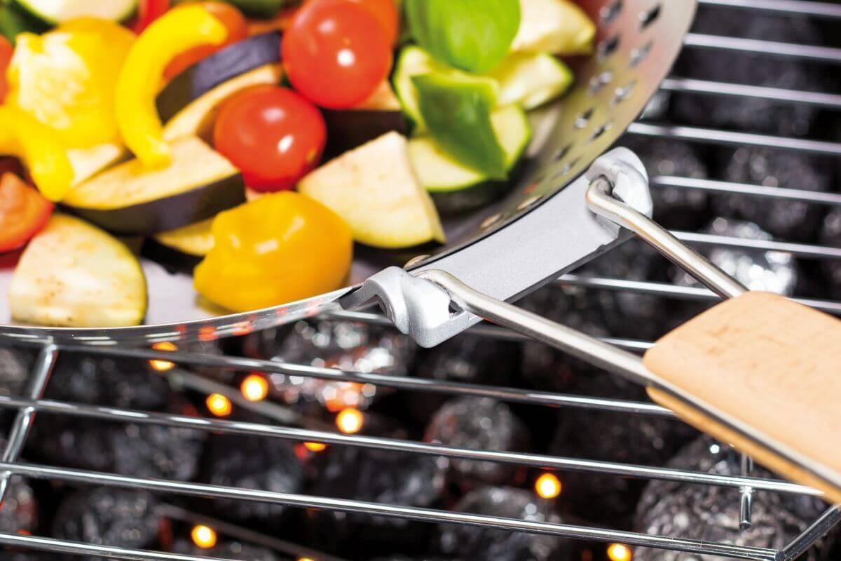 Grillpfanne Grillwok mit Klappgriff Gemüsepfanne antihaft Grillzubehör BBQ
